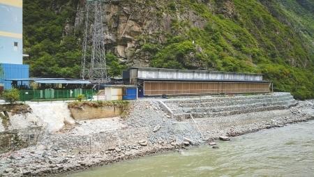 大渡河上违建比特币矿场追踪:矿场主投资千万一年回本